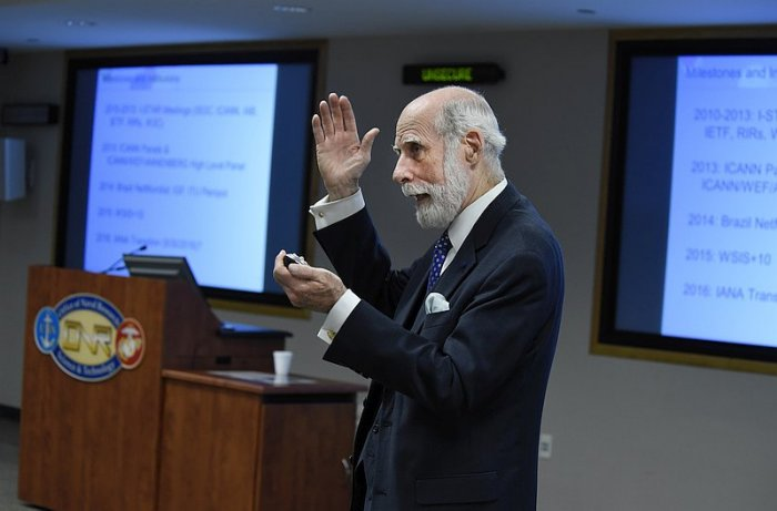 Dr. Vint Cerf (foto: Office of Naval Research from Arlington, USA, CC BY 2.0)