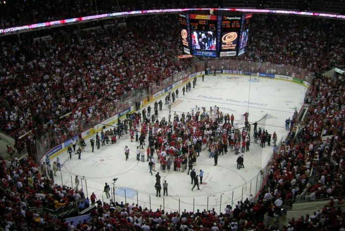 Carolina Hurricanes celebrations, Stanley Cup 2006 (photo: Bobby Schultz, public domain)