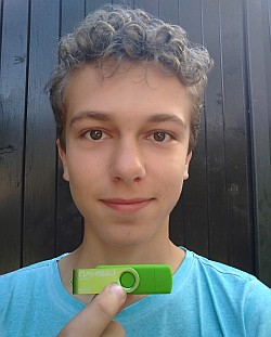 Adam, USB flash disk